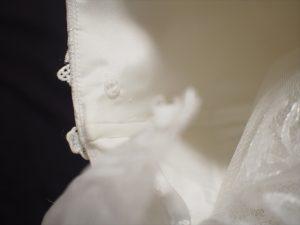 【ウエディングドレスの袖】スナップボタン
