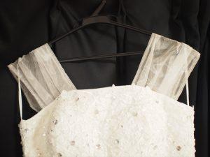 【ウエディングドレスの袖】袖を付けた状態
